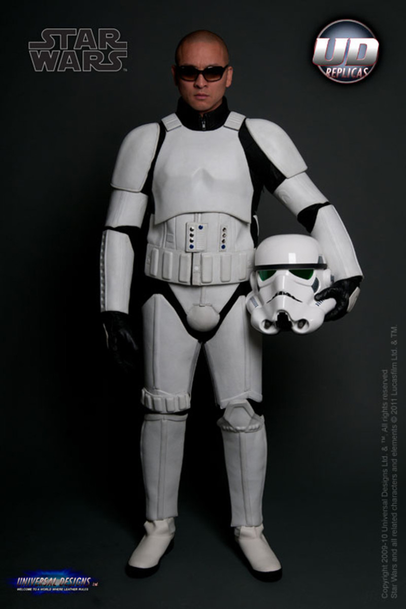 universal-designs-storm-trooper-motorcycle-suit-06