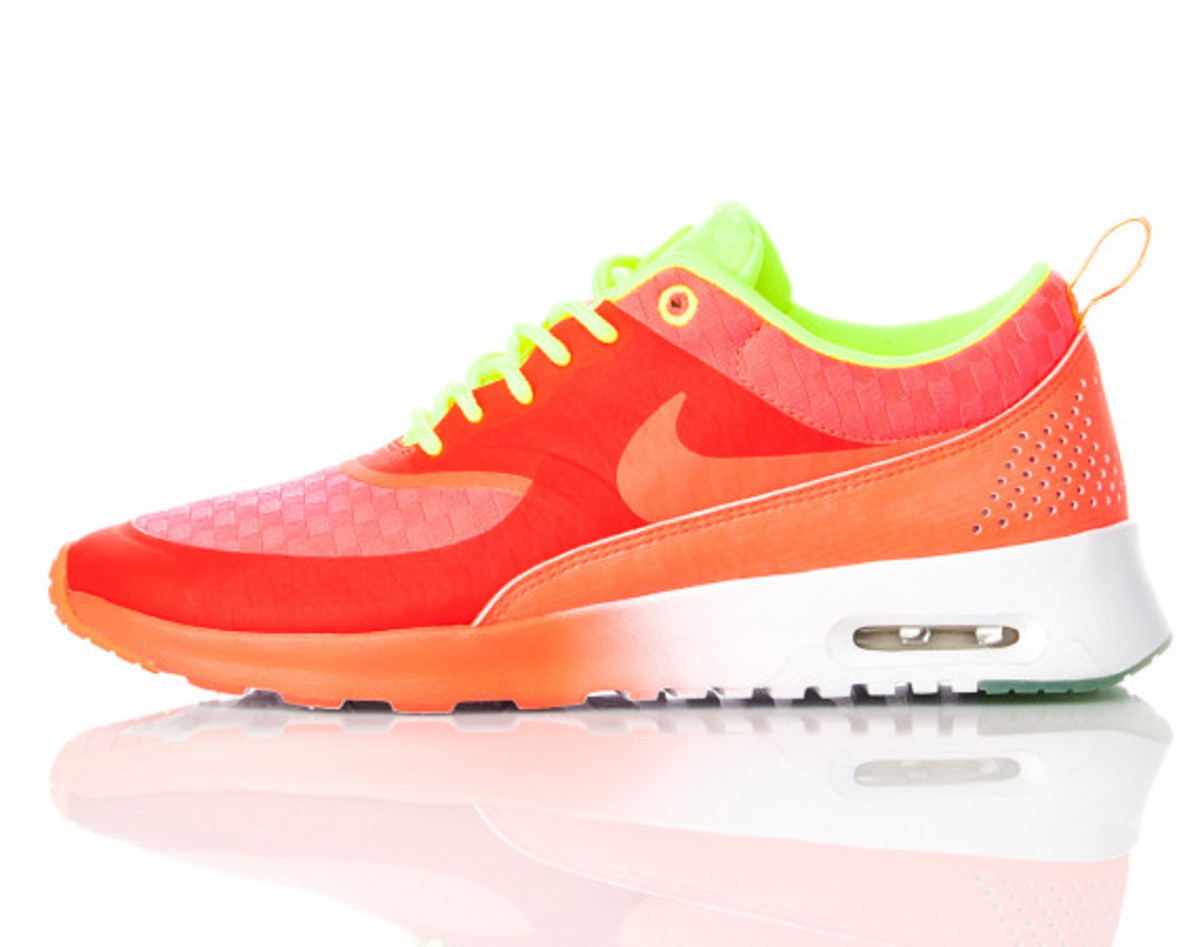 nike-air-max-thea-woven-unveiled-13