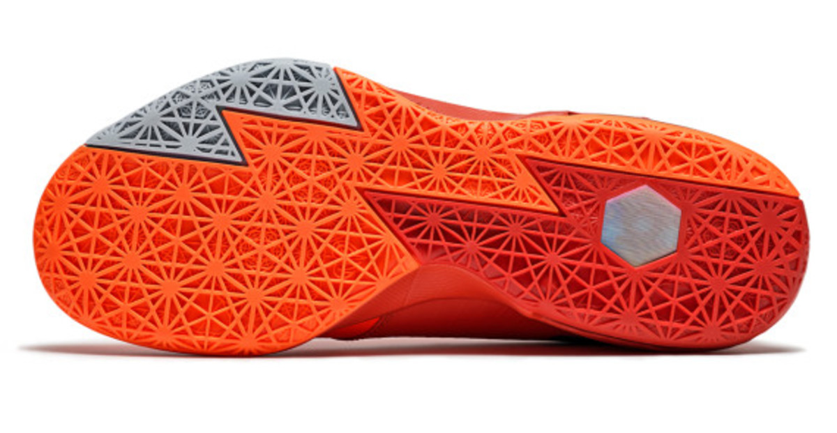 nike-kd-6-nyc-66-pays-tribute-to-rucker-park-performance-08
