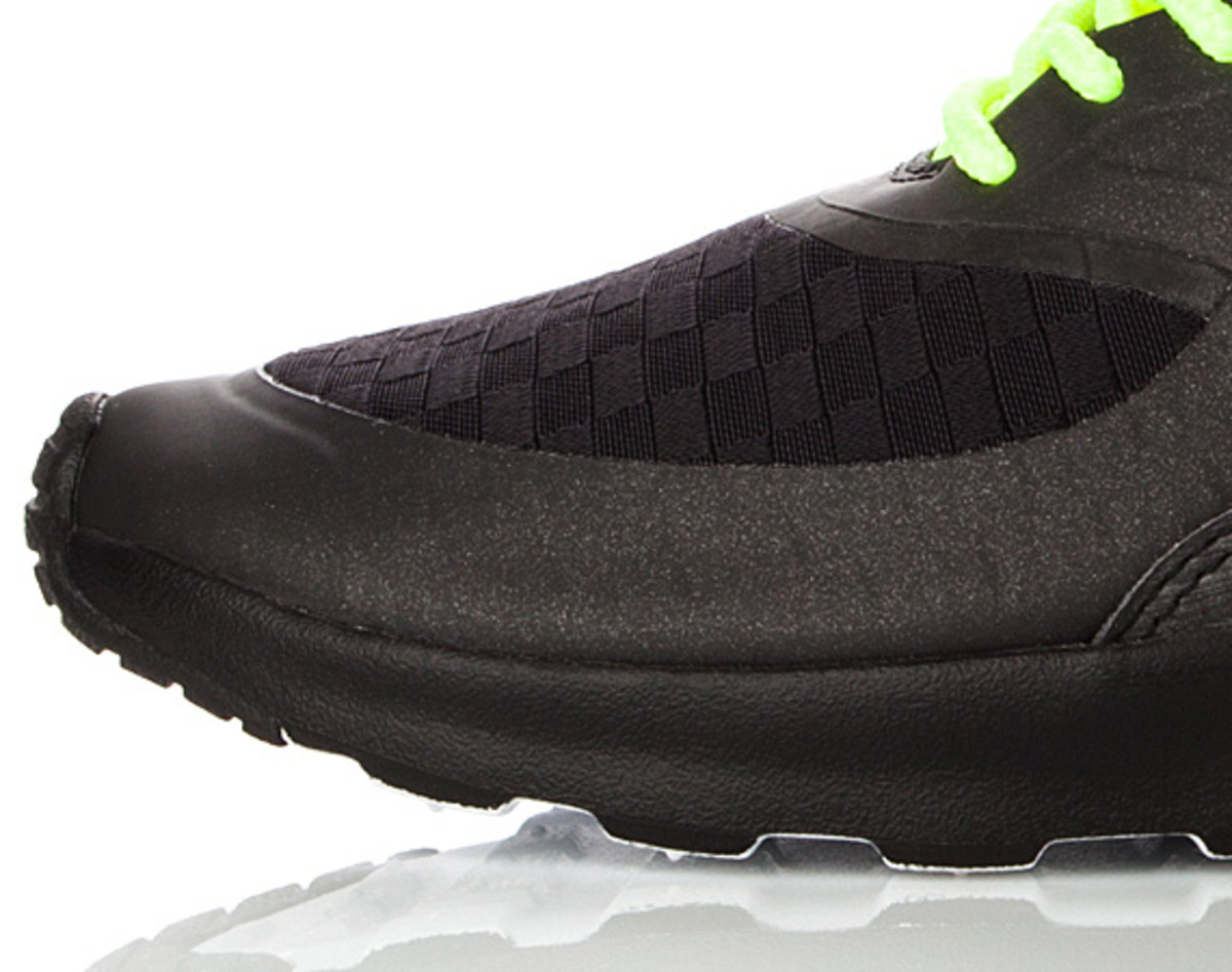 nike-air-max-thea-woven-unveiled-03