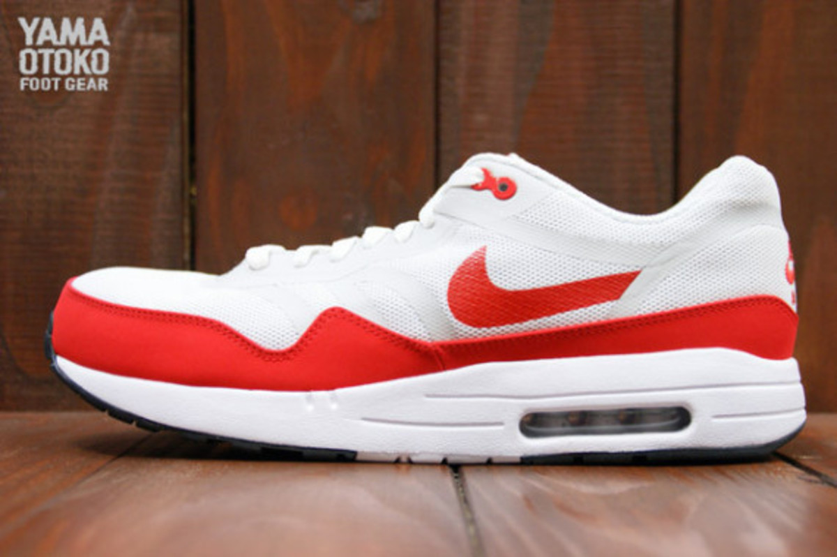 nike-air-max-1-tape-og-red-preview-04