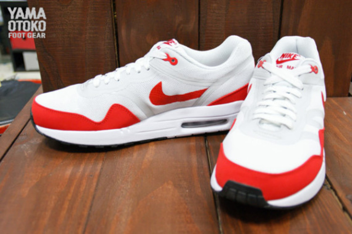 nike-air-max-1-tape-og-red-preview-02