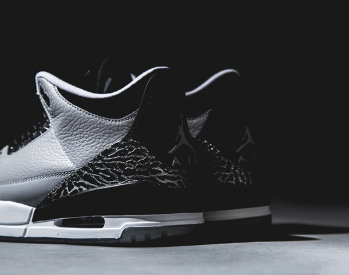 air-jordan-3-wolf-grey-detailed-look-01