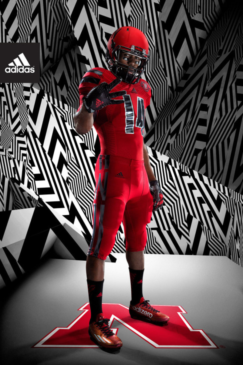 adidas-unveils-techfit-uniform-for-university-of-nebraska-04
