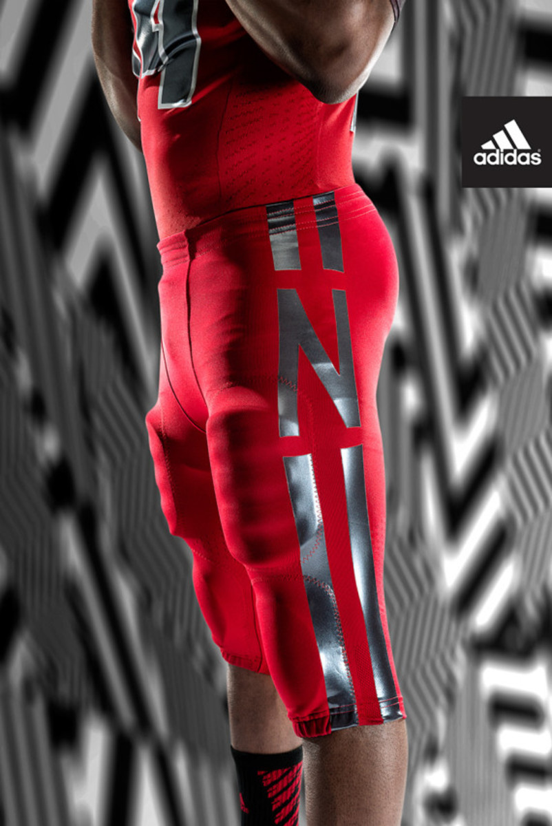 adidas-unveils-techfit-uniform-for-university-of-nebraska-08