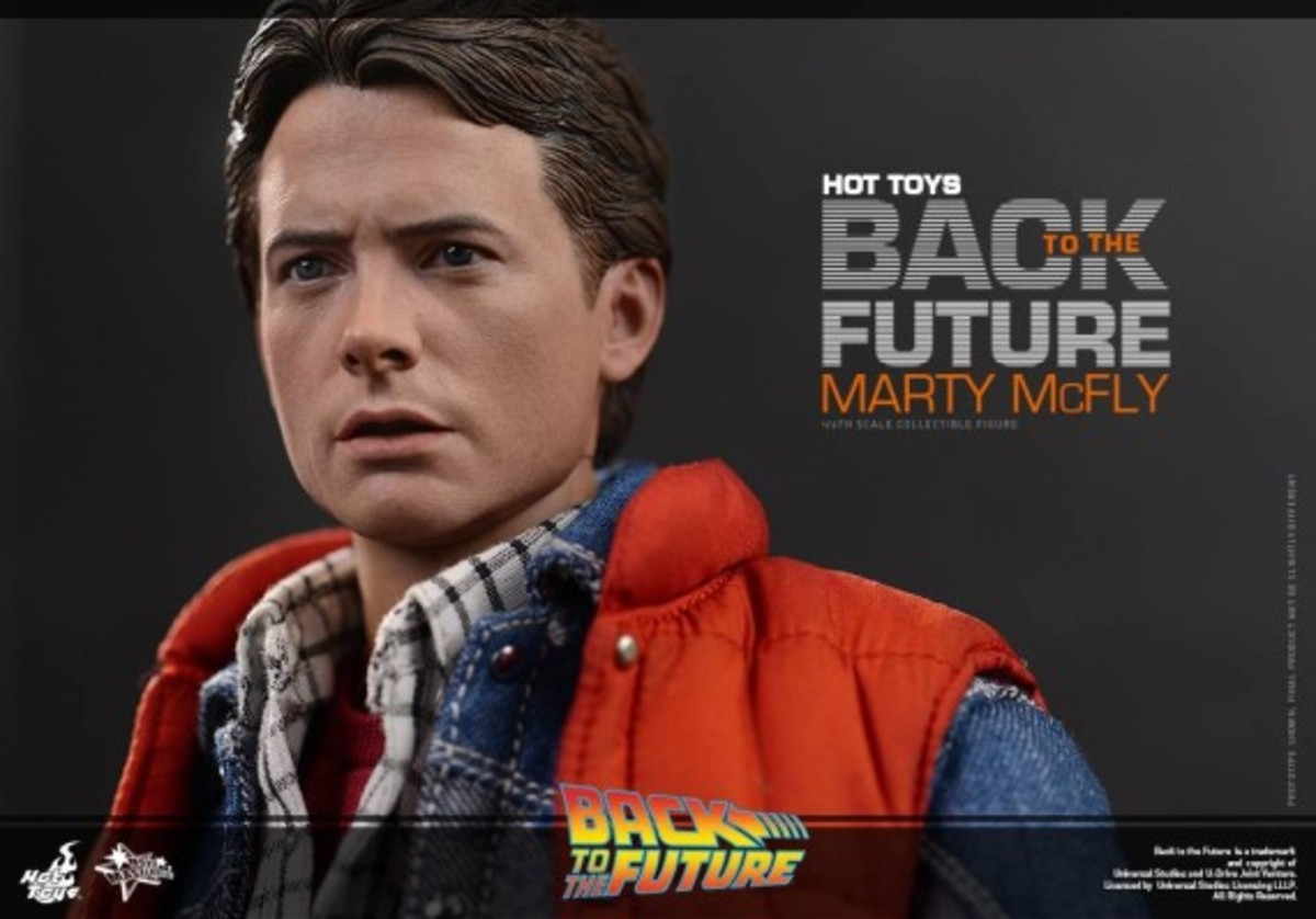 hot-toys-marty-mcfly-collectible-figure-03