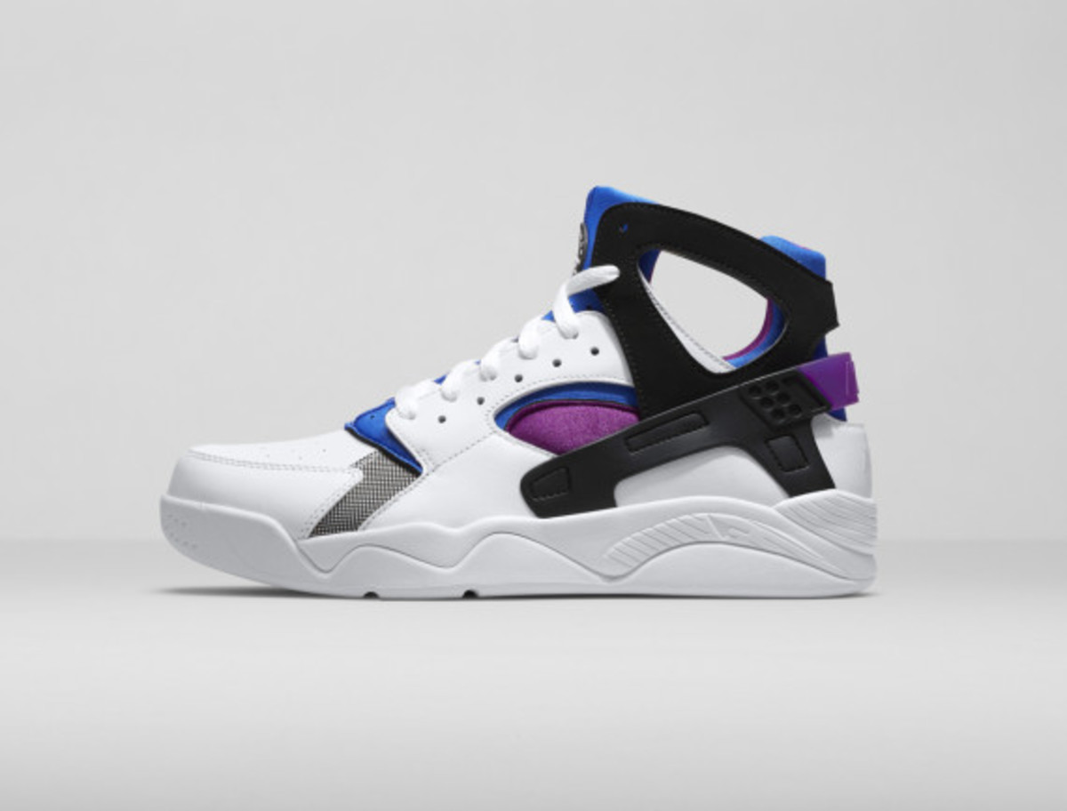 nike-air-trainer-huarache-and-air-flight-huarache-04