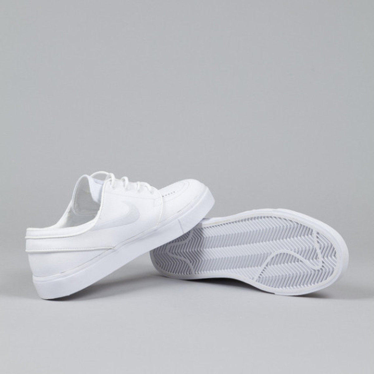 nike-sb-stefan-janoski-white-white-leather-03
