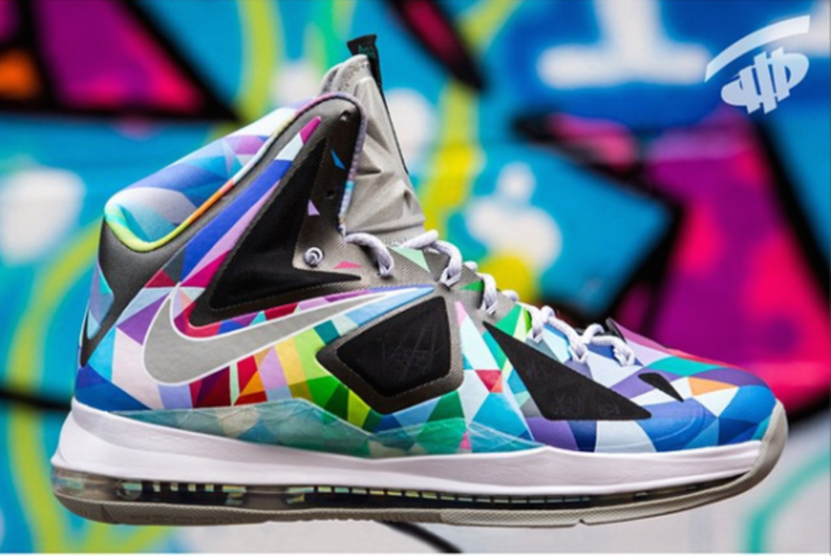 nike-rom-lebron-x-shattered-prism-03