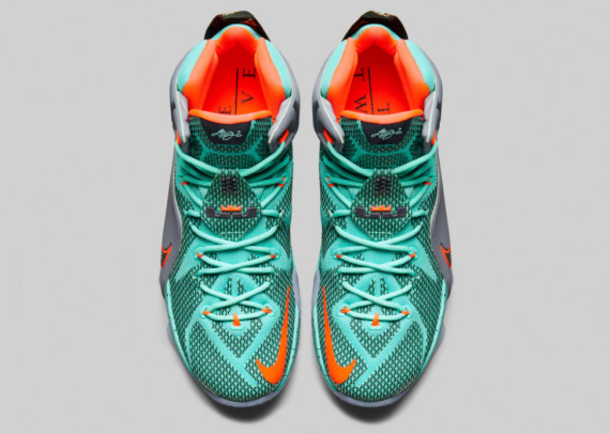 nike-lebron-12-officially-unveiled-03