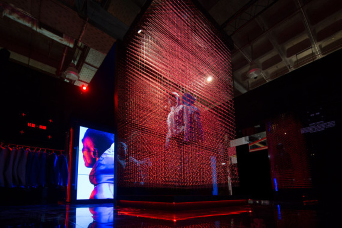nike-tech-pack-retail-experience-booth-shanghai-11