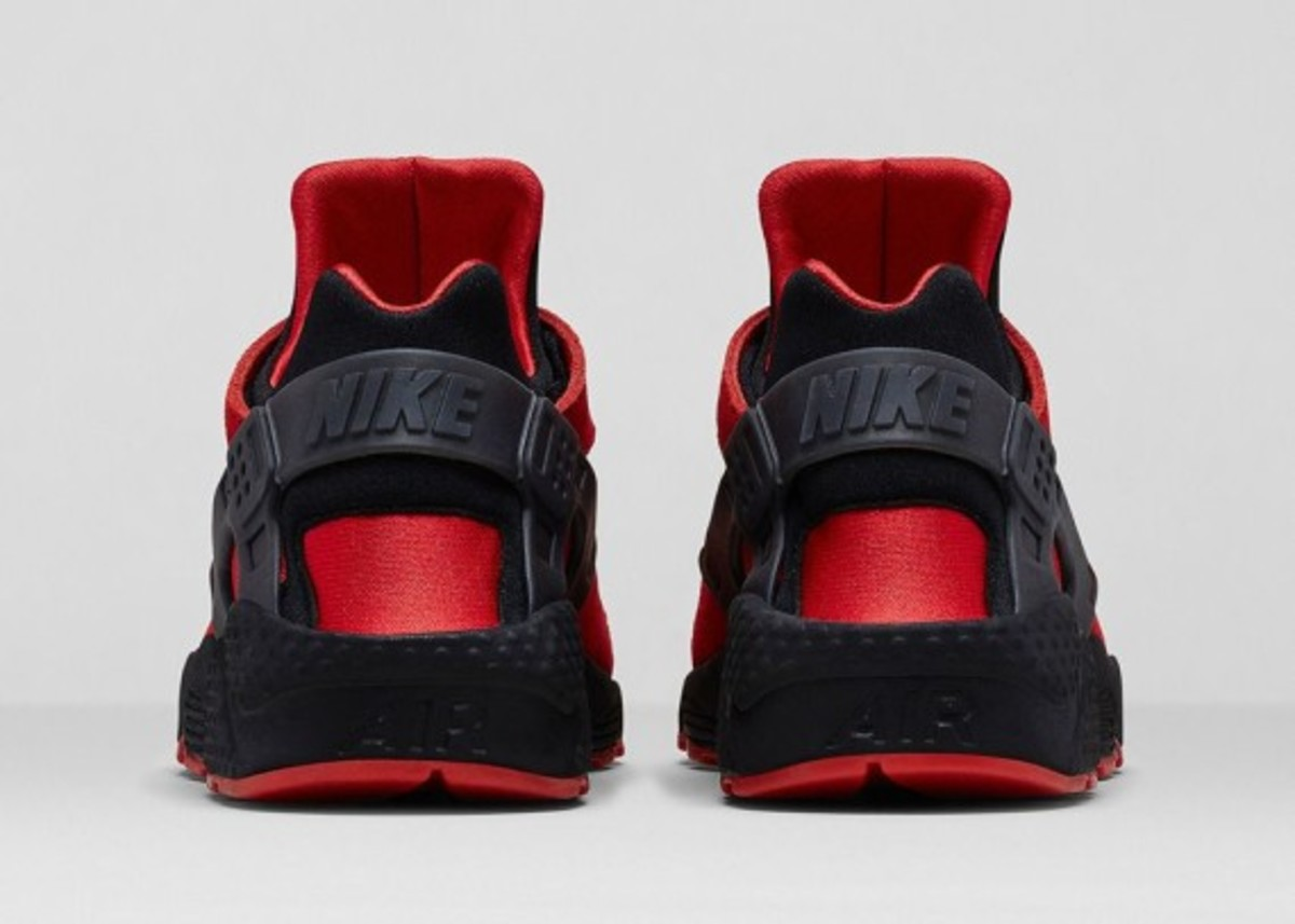 nike-huarache-red-black-04
