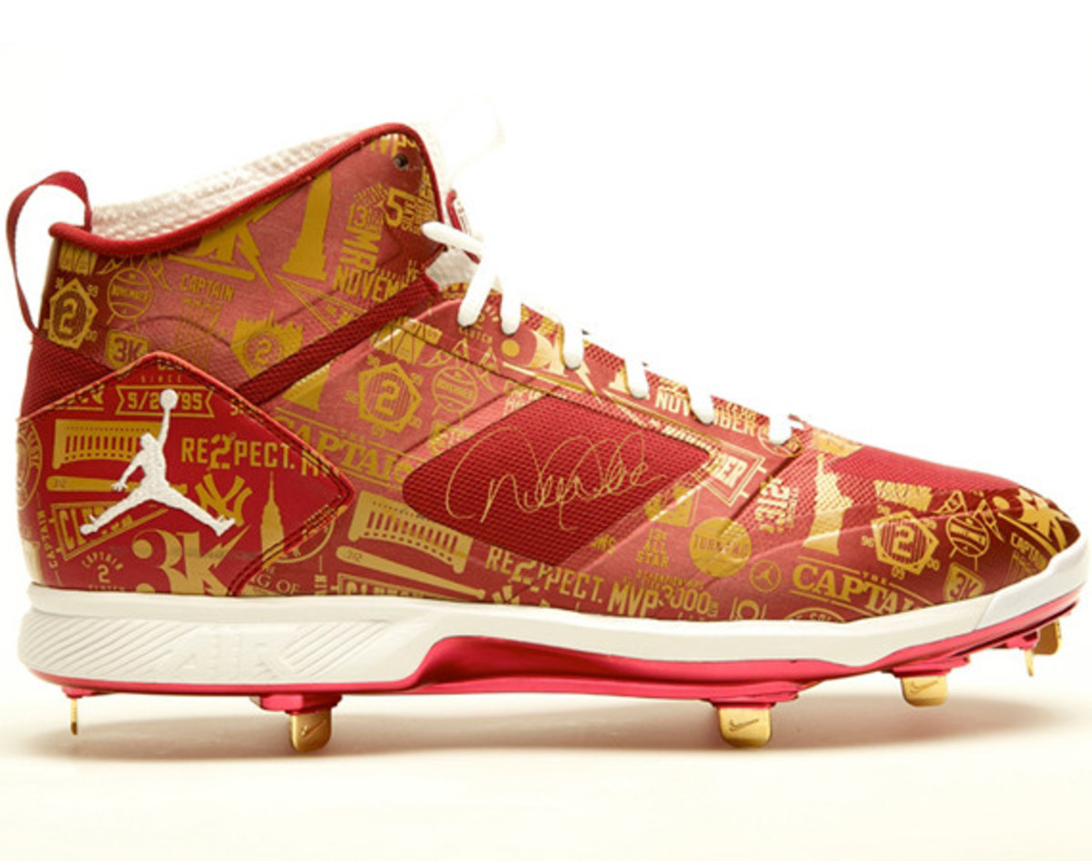 derek-jeter-cleats-up-for-auction-01