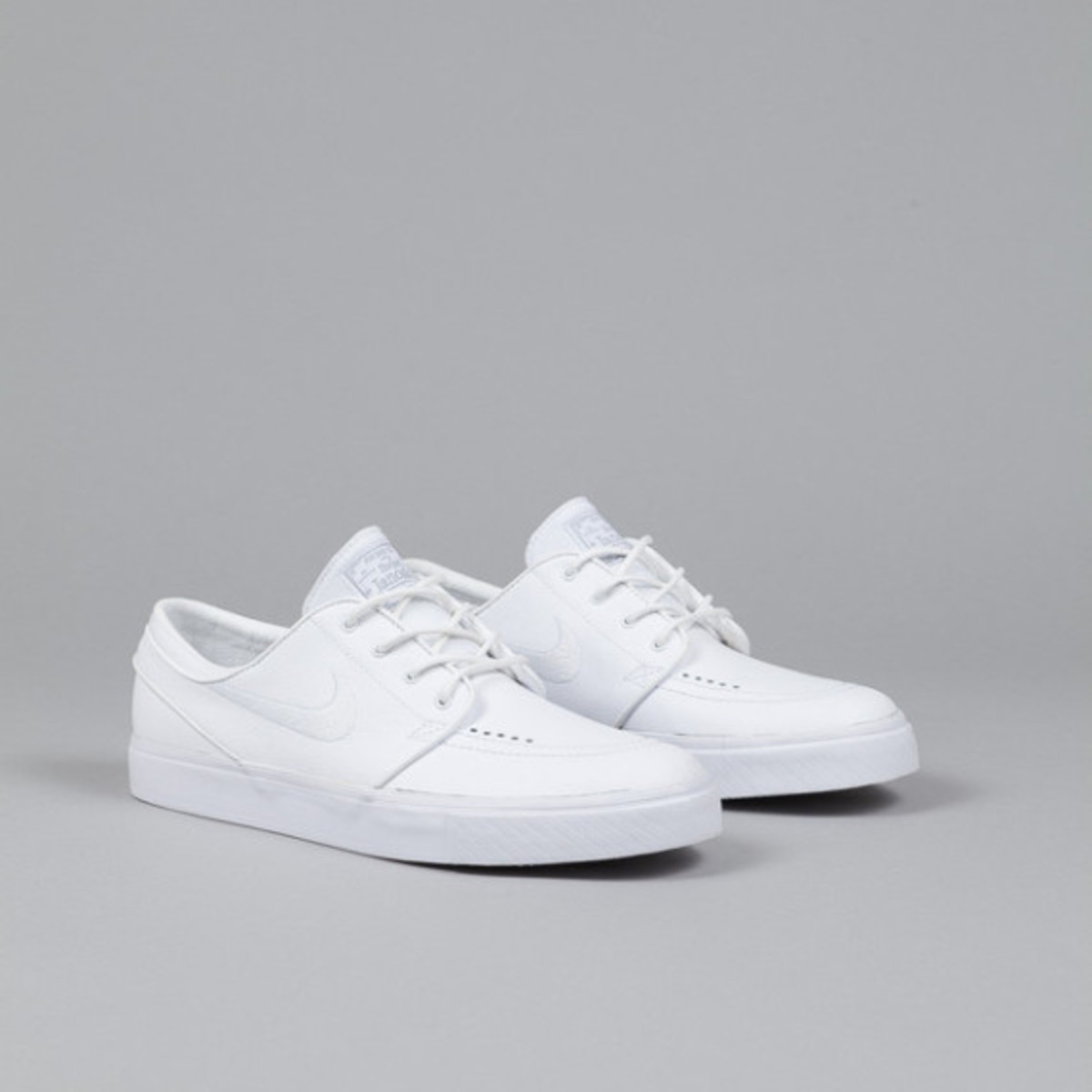 nike-sb-stefan-janoski-white-white-leather-05