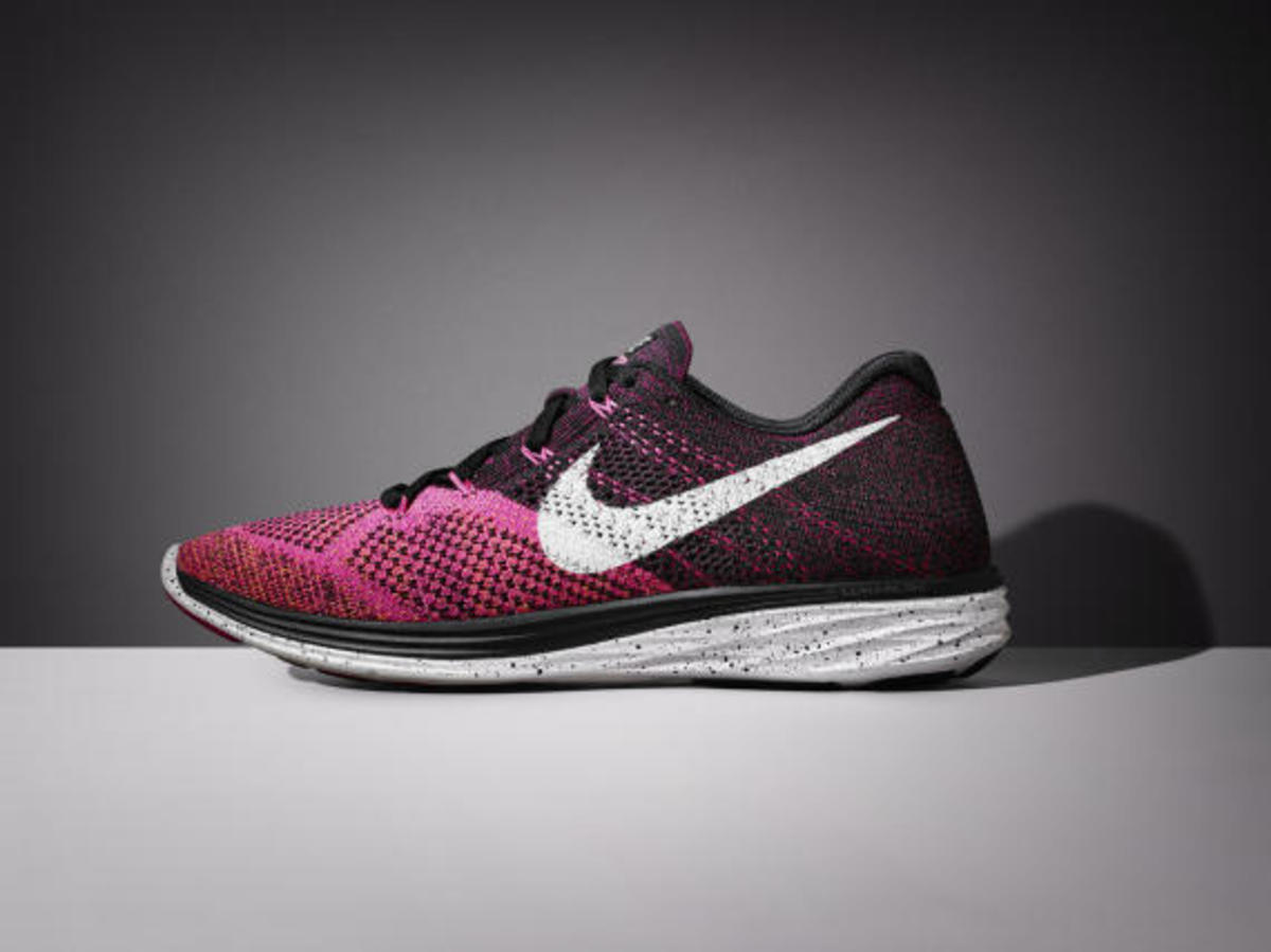 nike-womens-spring-2015-flyknit-footwear-collection-03