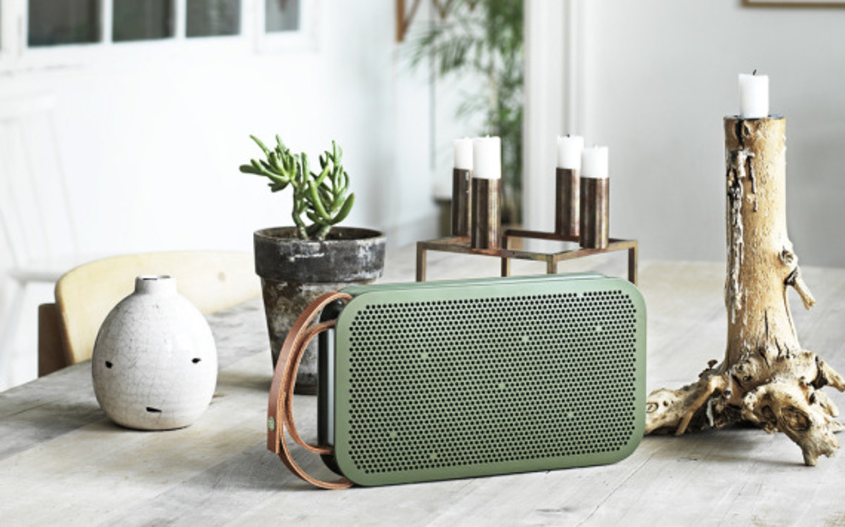 bang-and-olufsen-beoplay-a2-bluetooth-speaker-08