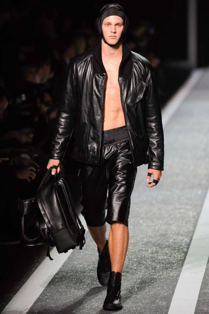 alexander-wang-and-h-and-m-runway-presentation-08
