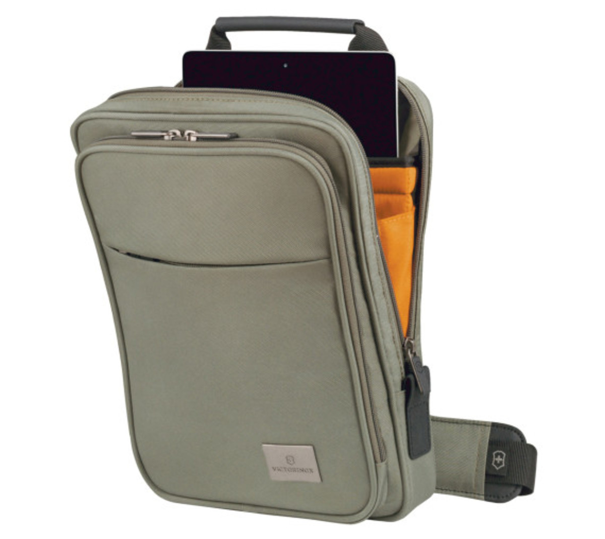 victorinox-limited-edition-travel-pack-03