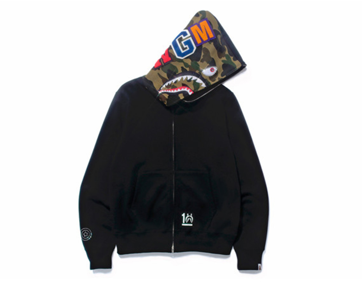 a-bathing-ape-shark-hoodie-10th-anniversary-collection-01