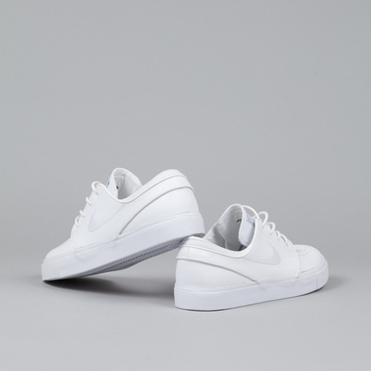 nike-sb-stefan-janoski-white-white-leather-02