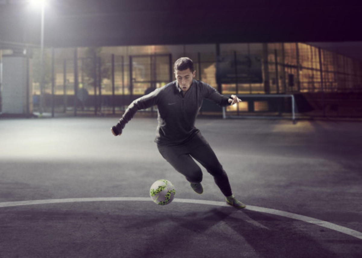 nike-launches-new-elastico-superfly-10