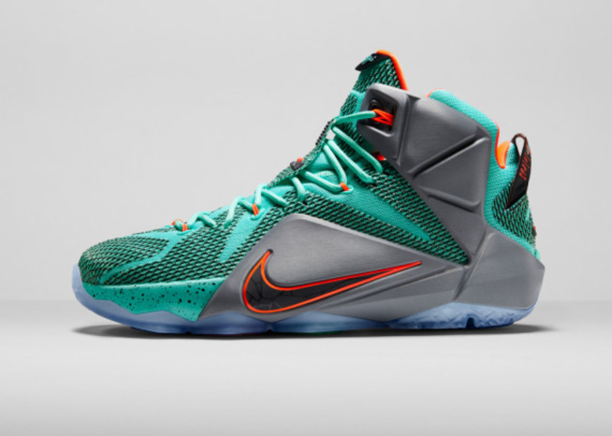 nike-lebron-12-officially-unveiled-04