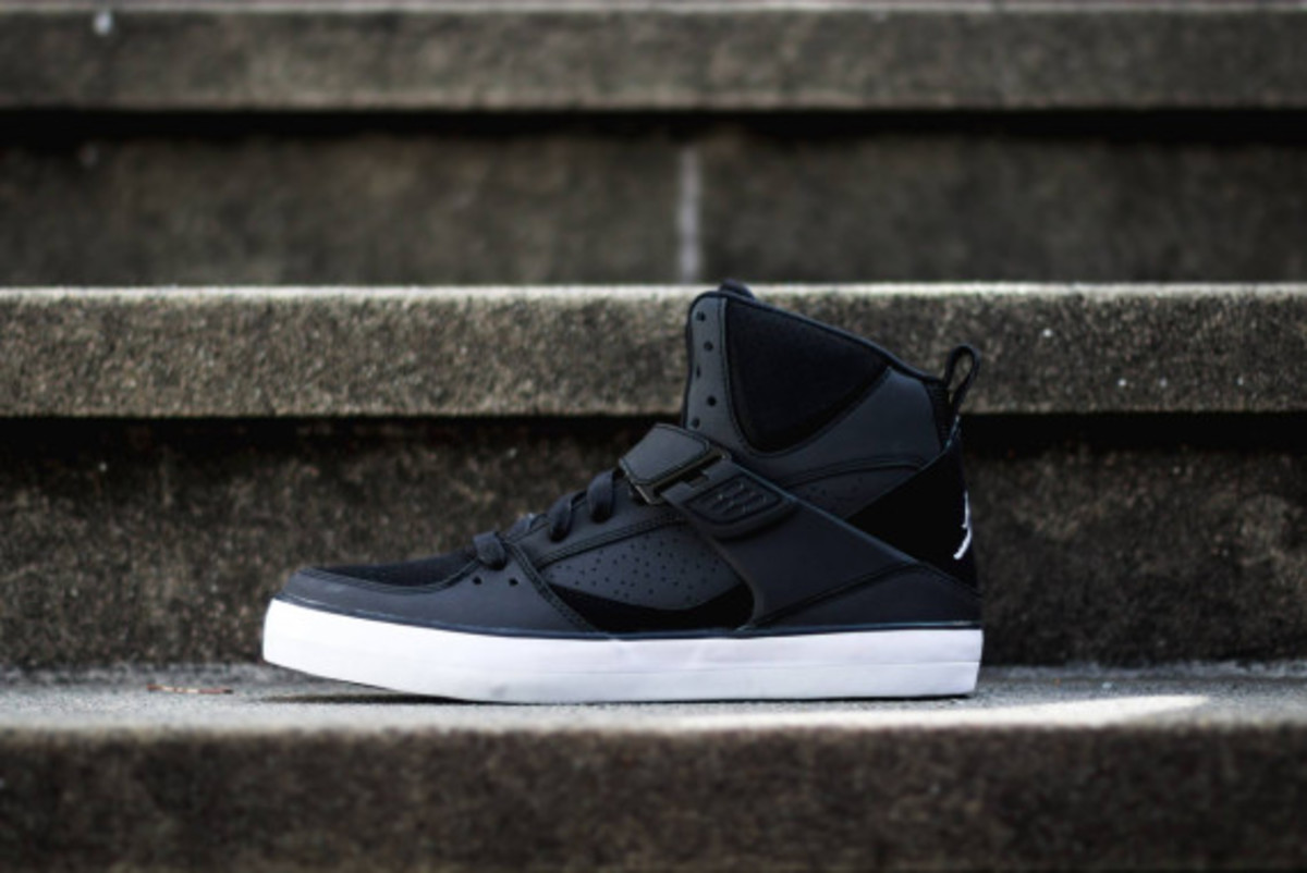 air-jordan-flight-45-vulcanized-04