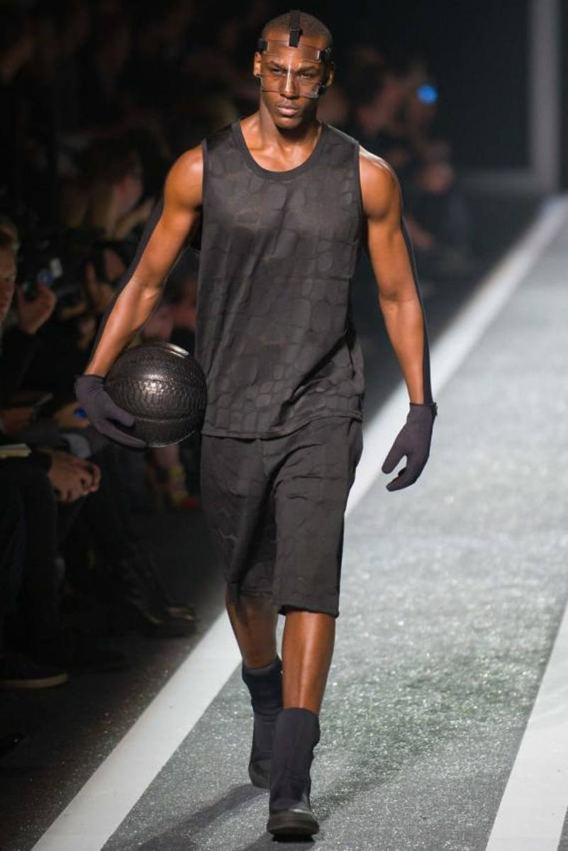 alexander-wang-and-h-and-m-runway-presentation-12