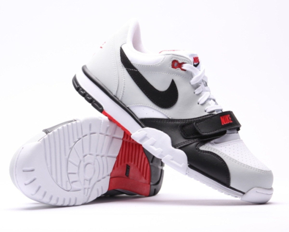 nike-air-trainer-1-low-white-black-red-09