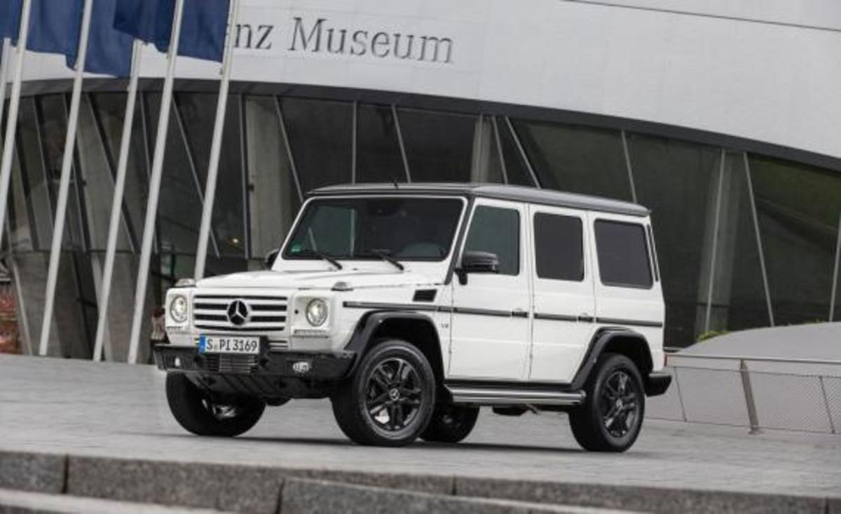 2015-mercedes-benz-g550-35th-anniversary-edition-04