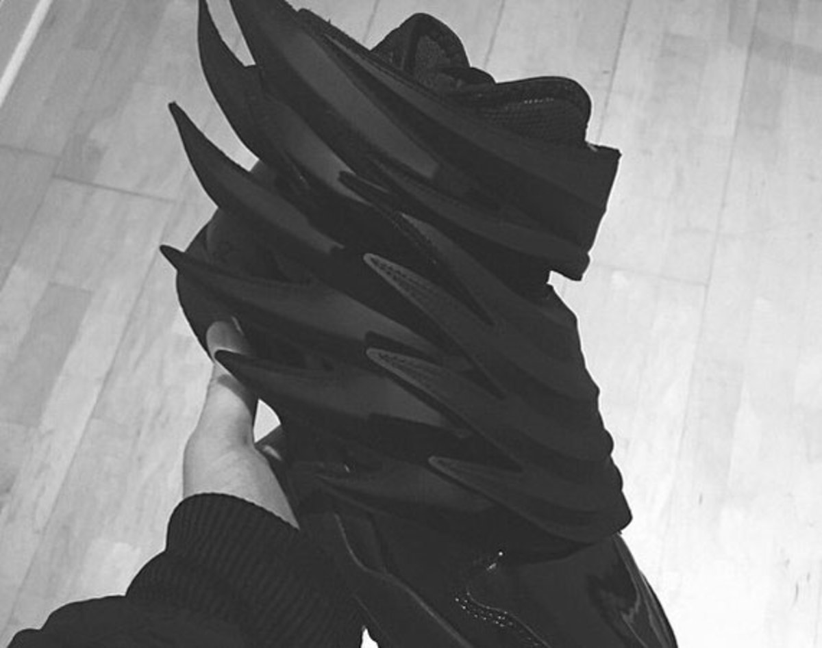 jeremy-scott-adidas-dark-knight-01