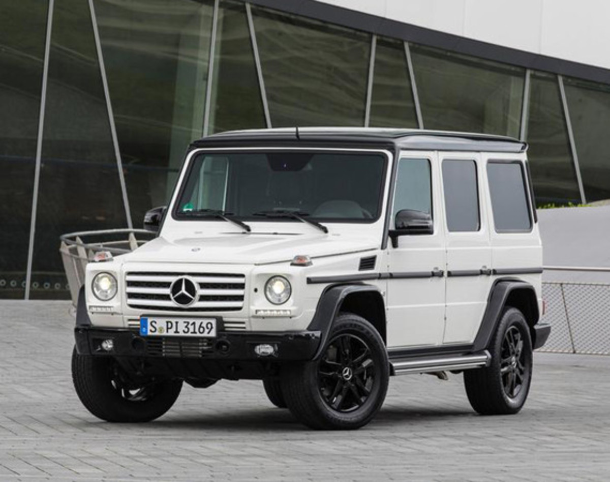2015-mercedes-benz-g550-35th-anniversary-edition-01