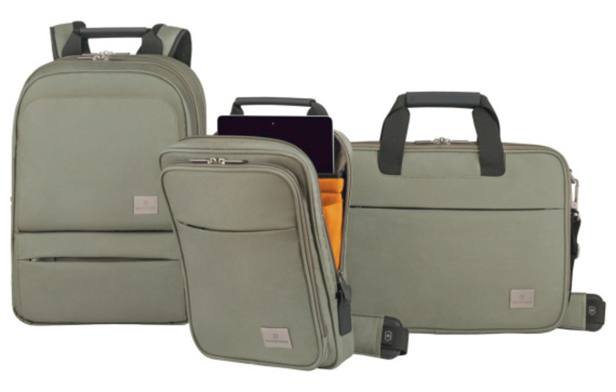 victorinox-limited-edition-travel-pack-02