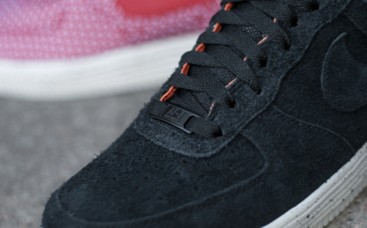 undefeated-nike-lunar-force-1-sp-fall-winter-2014-collaboration-06