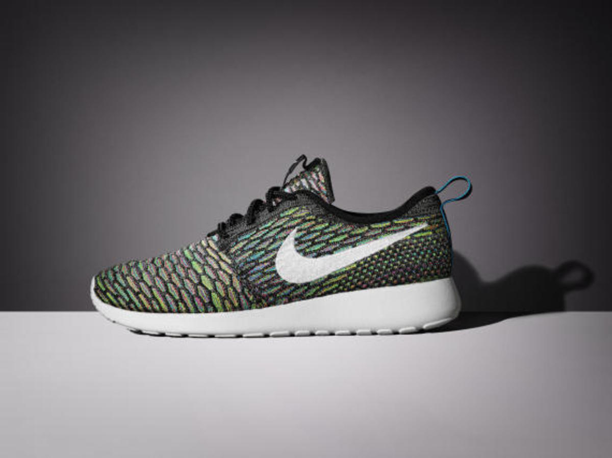 nike-womens-spring-2015-flyknit-footwear-collection-09