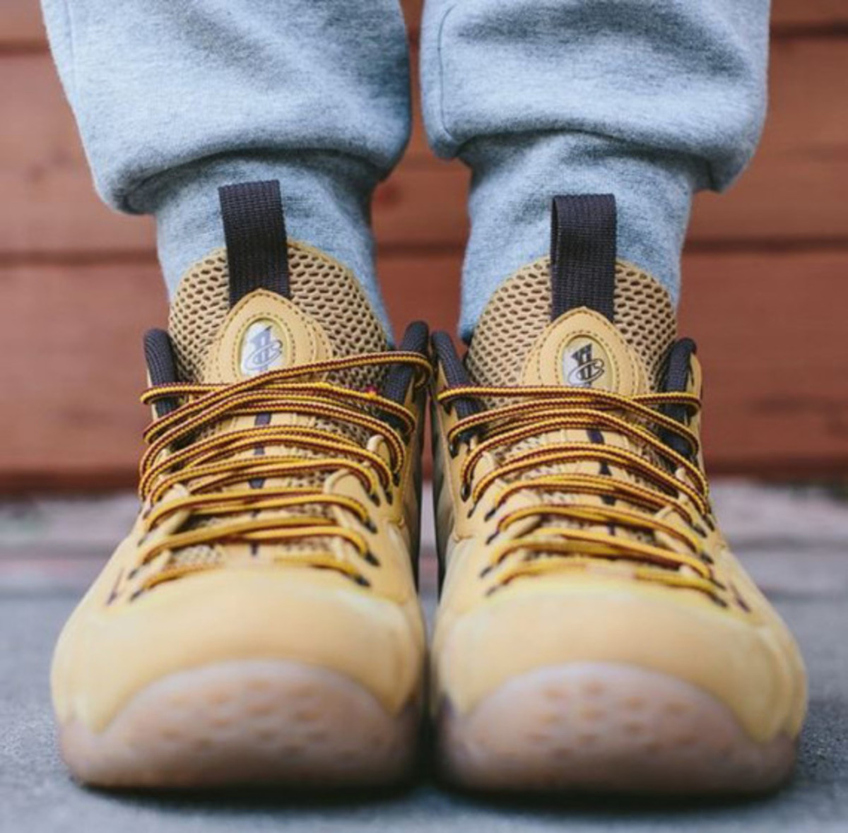 nike-air-foamposite-one-wheat-03