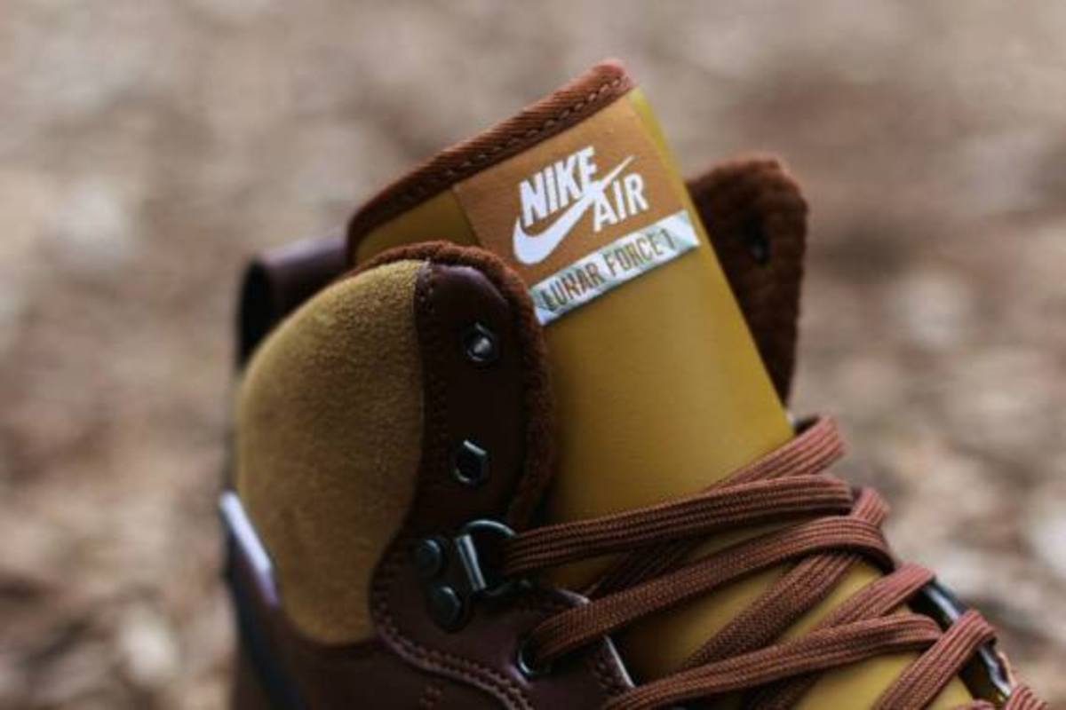 nike-lunar-force-1-sneakerboot-barkroot-brown-03