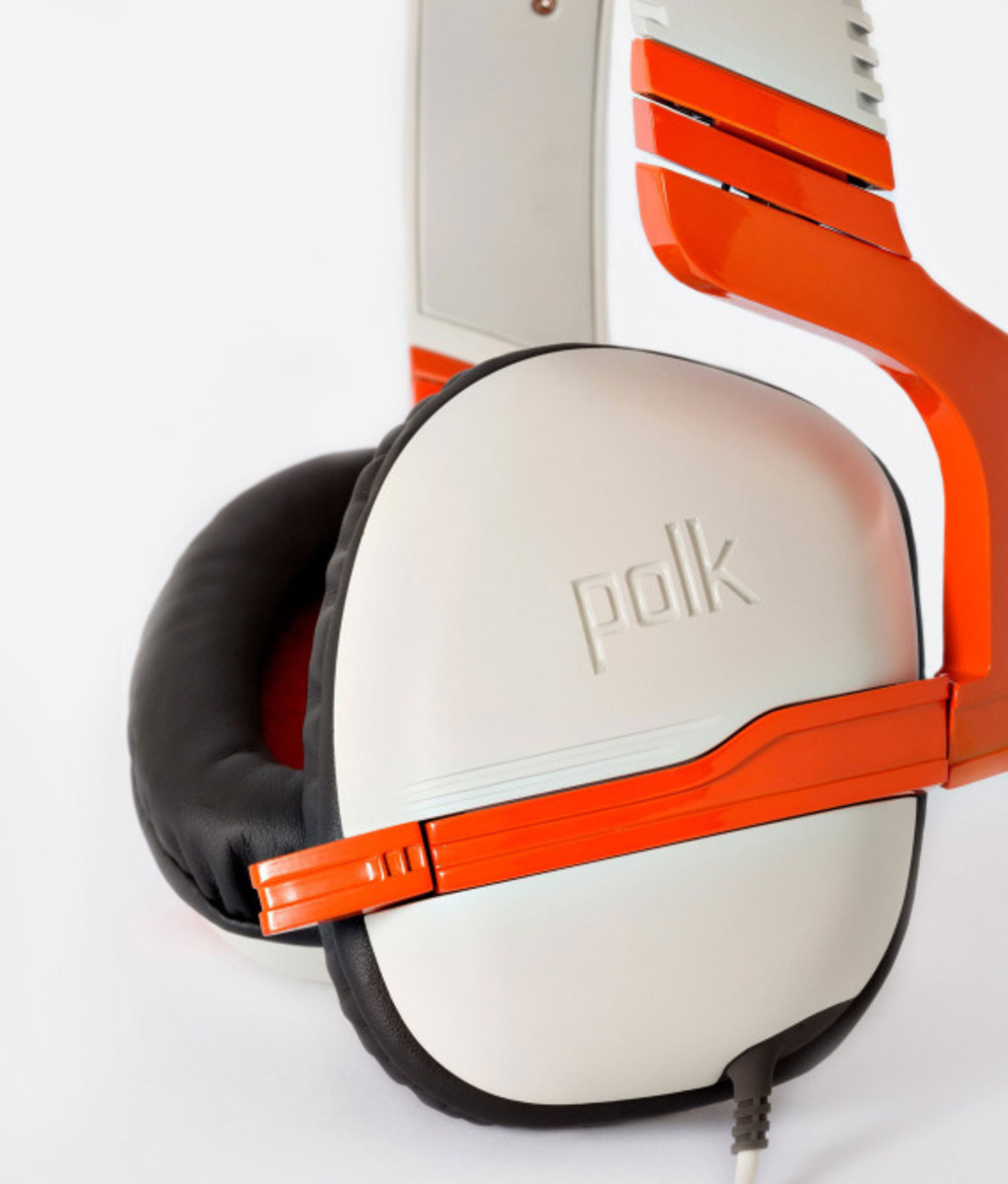 polk-striker-zx-xbox-one-gaming-headphones-02