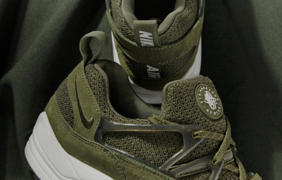 nike-air-huarache-light-midnight-forest-size-exclusive-03