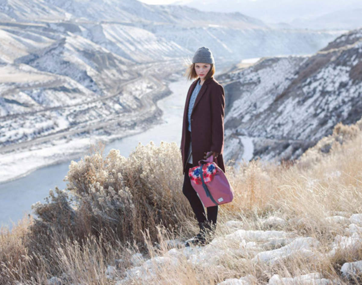 herschel-supply-holiday-2014-northern-lights-collection-01