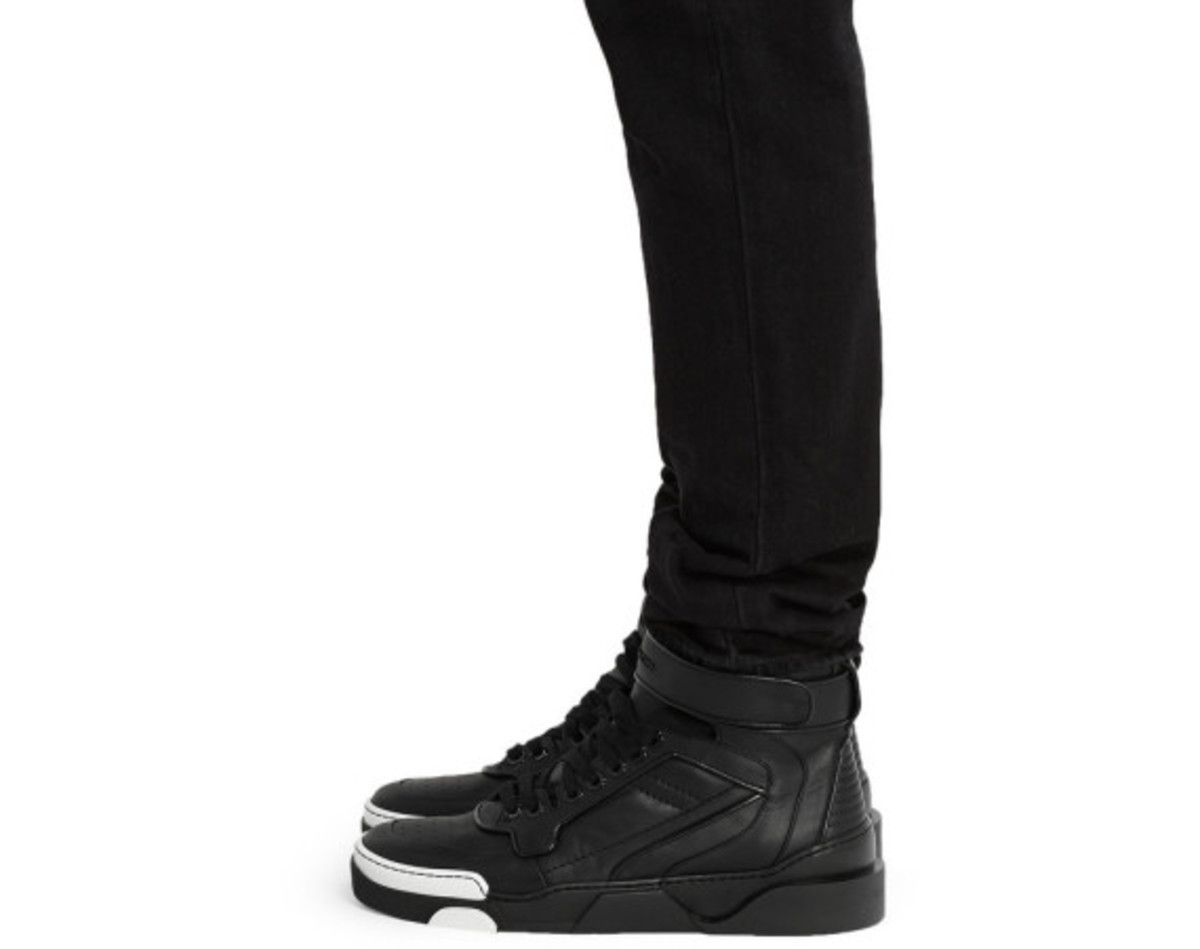 givenchy-tyson-high-top-leather-sneakers-04