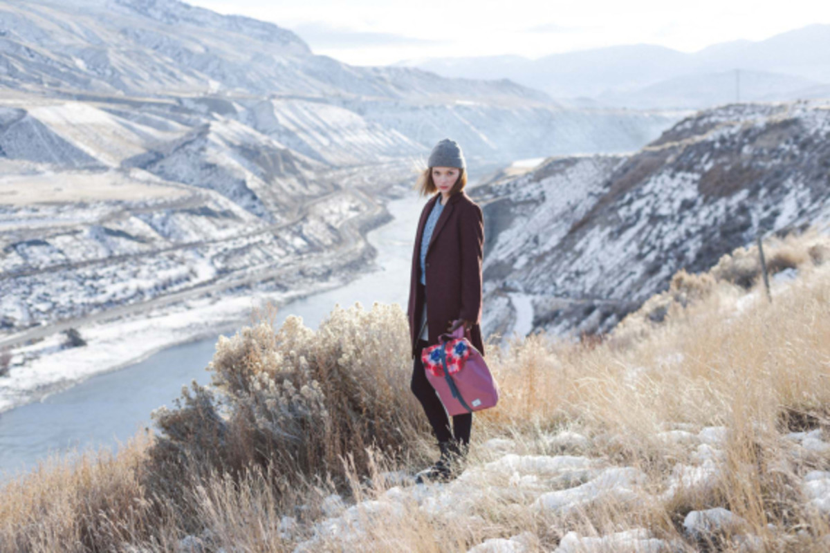 herschel-supply-holiday-2014-northern-lights-collection-04