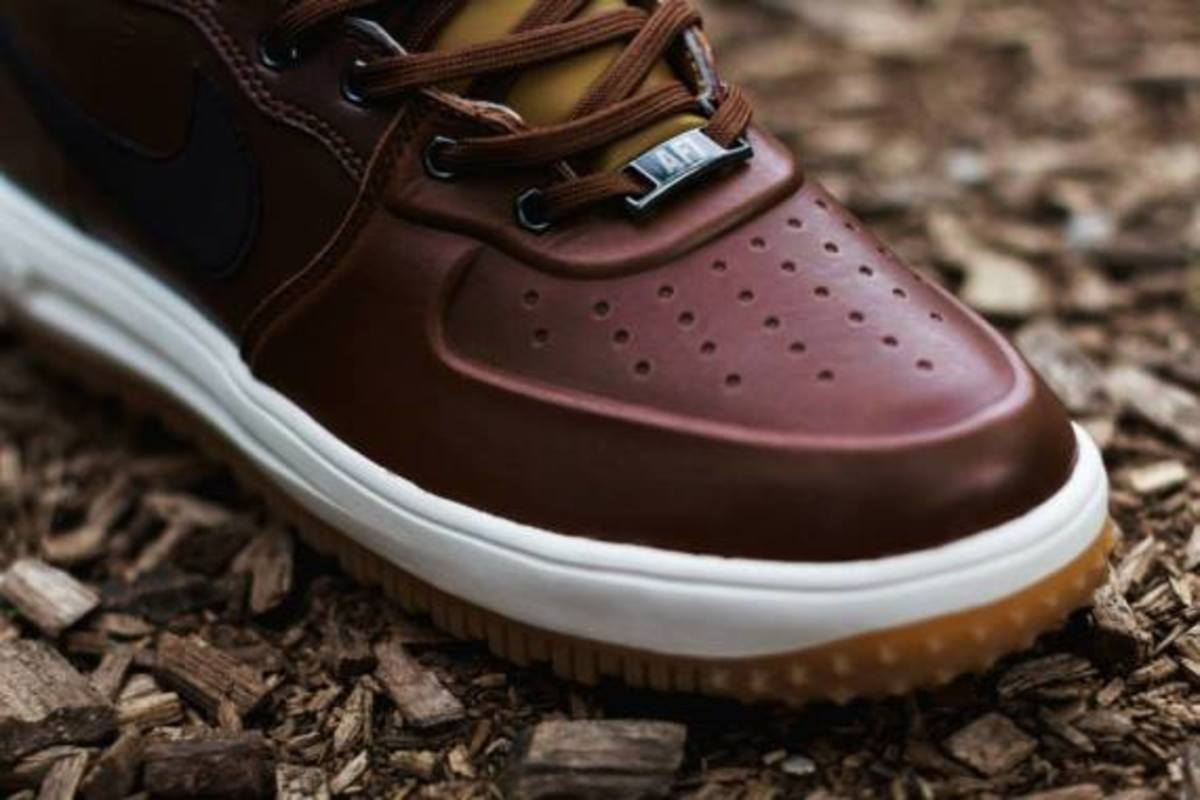 nike-lunar-force-1-sneakerboot-barkroot-brown-04