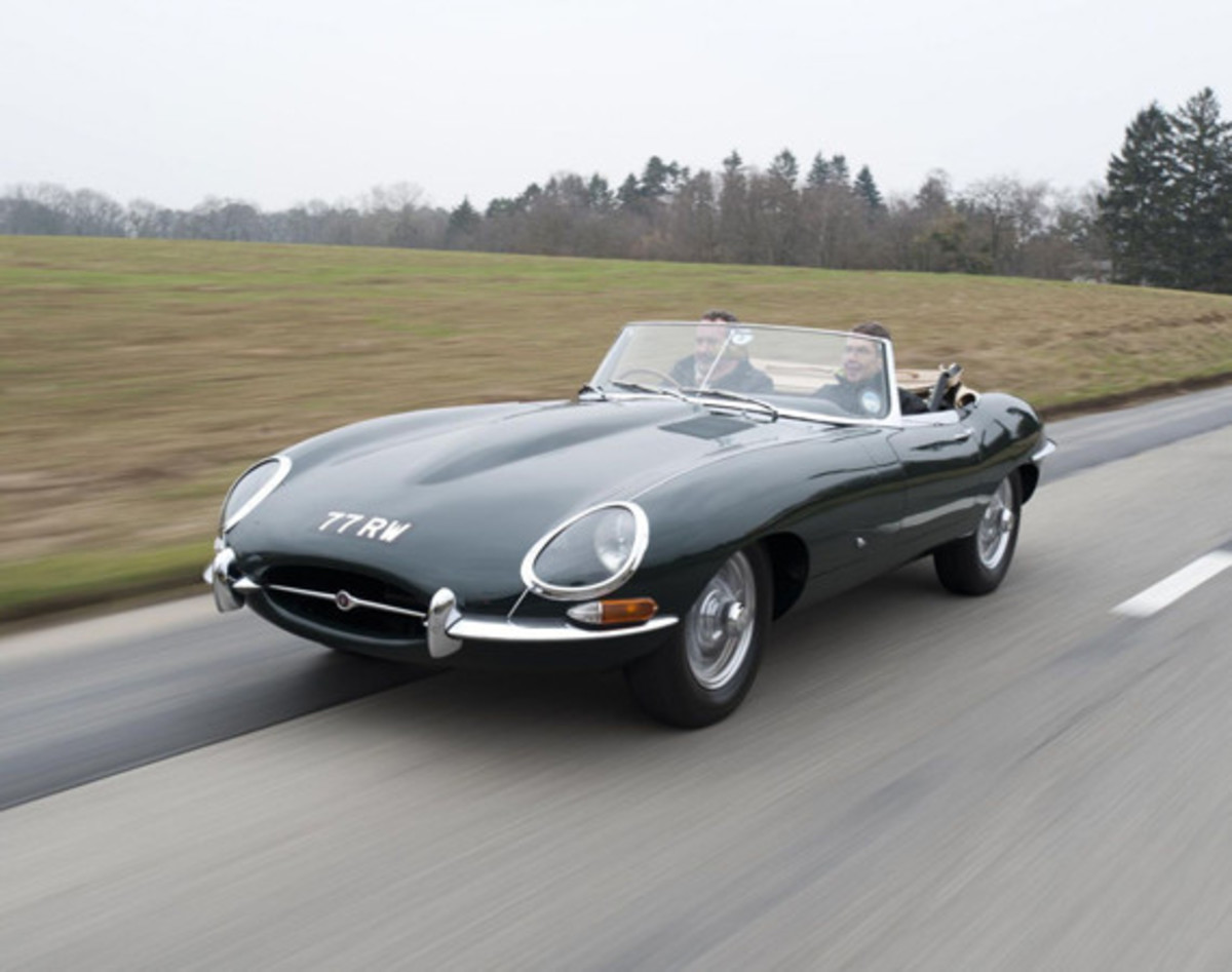 jaguar-launches-heritage-driving-experience-01