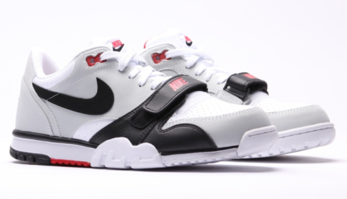 nike-air-trainer-1-low-white-black-red-07