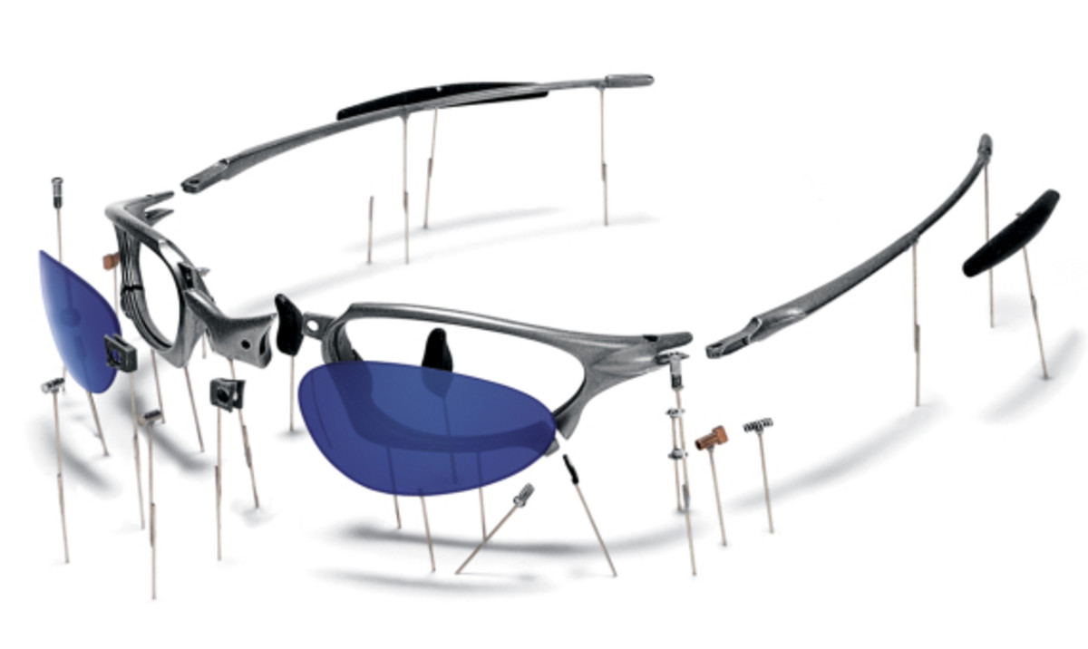 oakley-book-celebrating-40-years-of-design-and-innovation-06