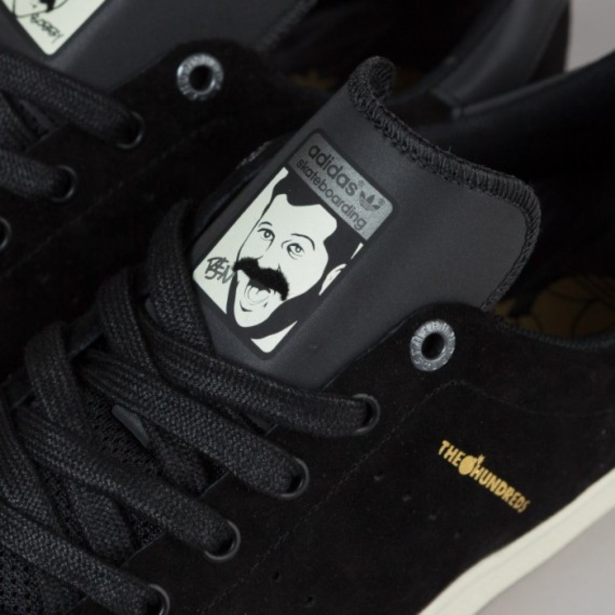 adidas-stan-smith-vulc-black-black-white-03