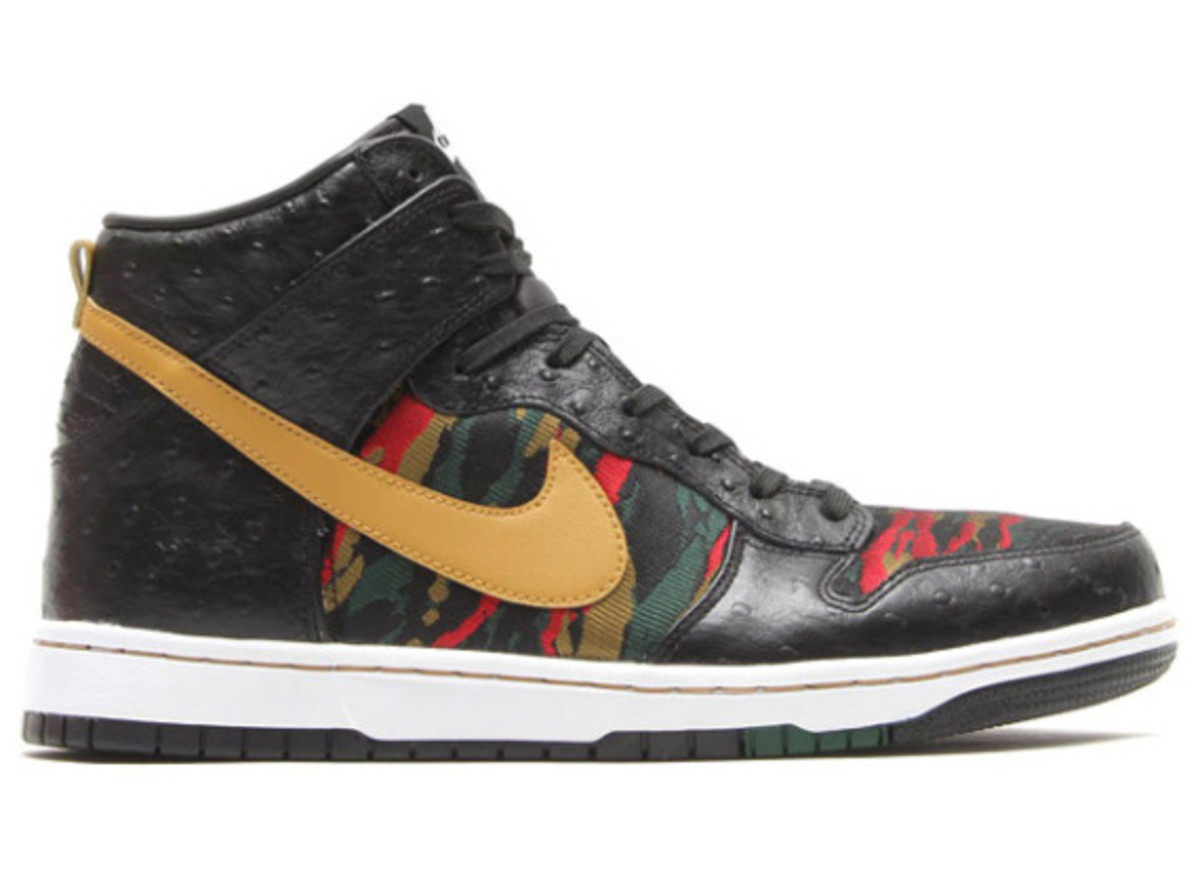 nike-sb-dunk-high-cmft-prm-qs-black-flat-gold-02