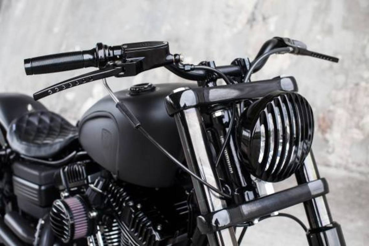 harley-davidson-2009-fat-bob-dyna-guerilla-by-rough-crafts-03