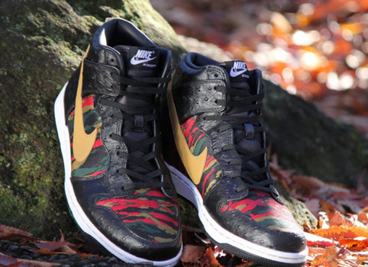 nike-sb-dunk-high-cmft-prm-qs-black-flat-gold-09